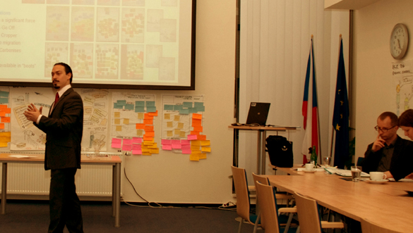 Presenting past, ongoing and future activities of the iKNOW project