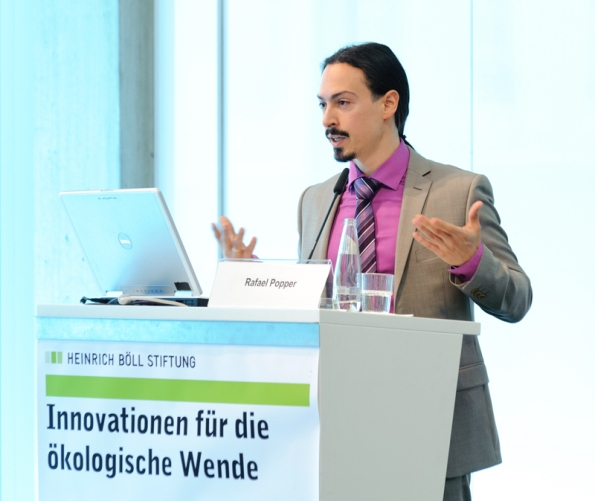 Dr Popper at Innovations for the Ecological Turnaround (Berlin, Germany – 10.05.2012)